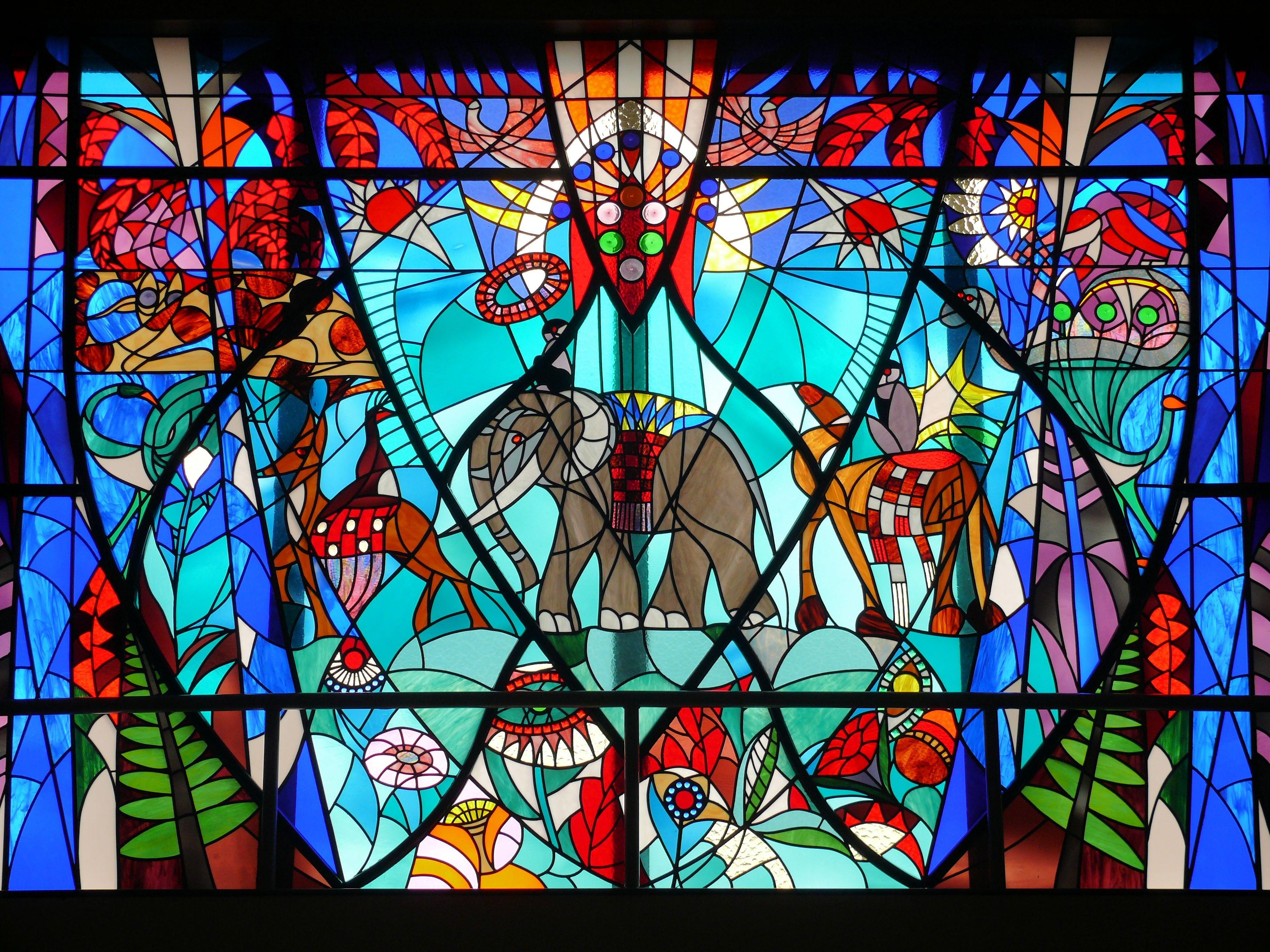 彩色玻璃:歷史、藝術和科學